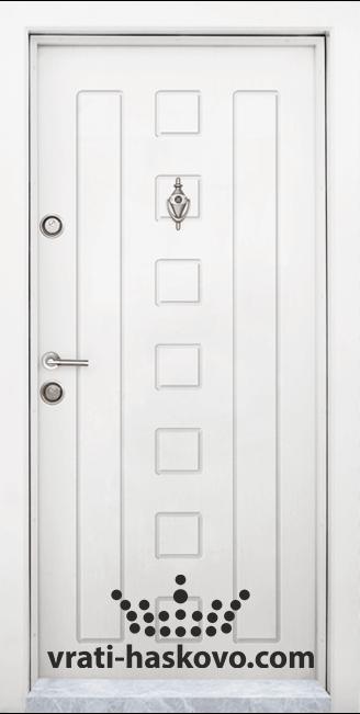 Блиндирана входна врата модел Т 712, цвят Бял